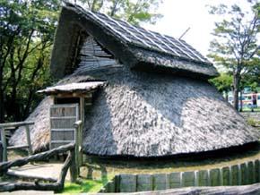 竪穴式住居(登呂遺跡)